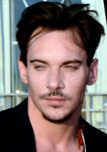 Jonathan_Rhys_Meyers_Cabourg_2013